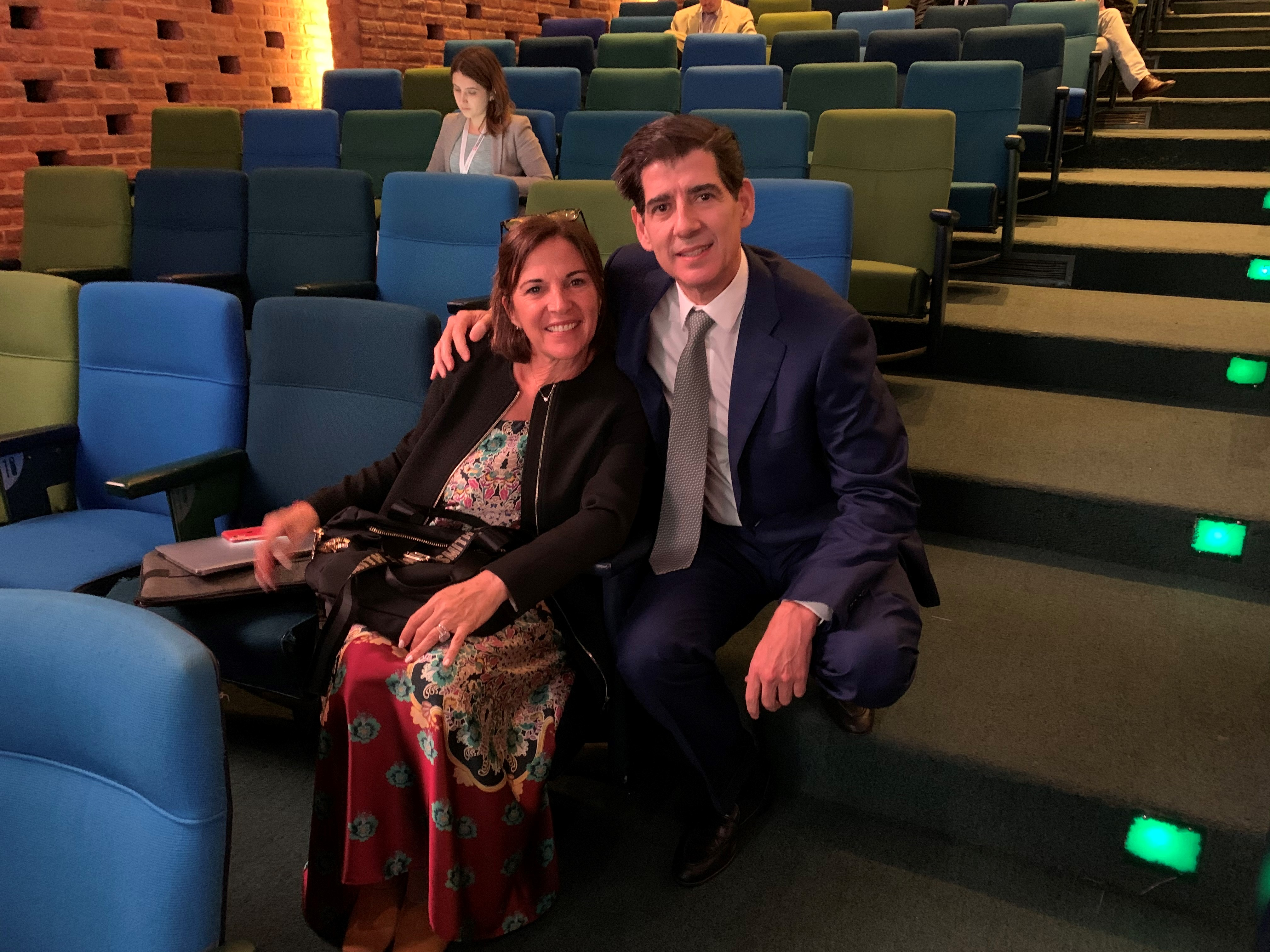 Dr. Piñal with the president of the congress, Dr Violeta Levy.