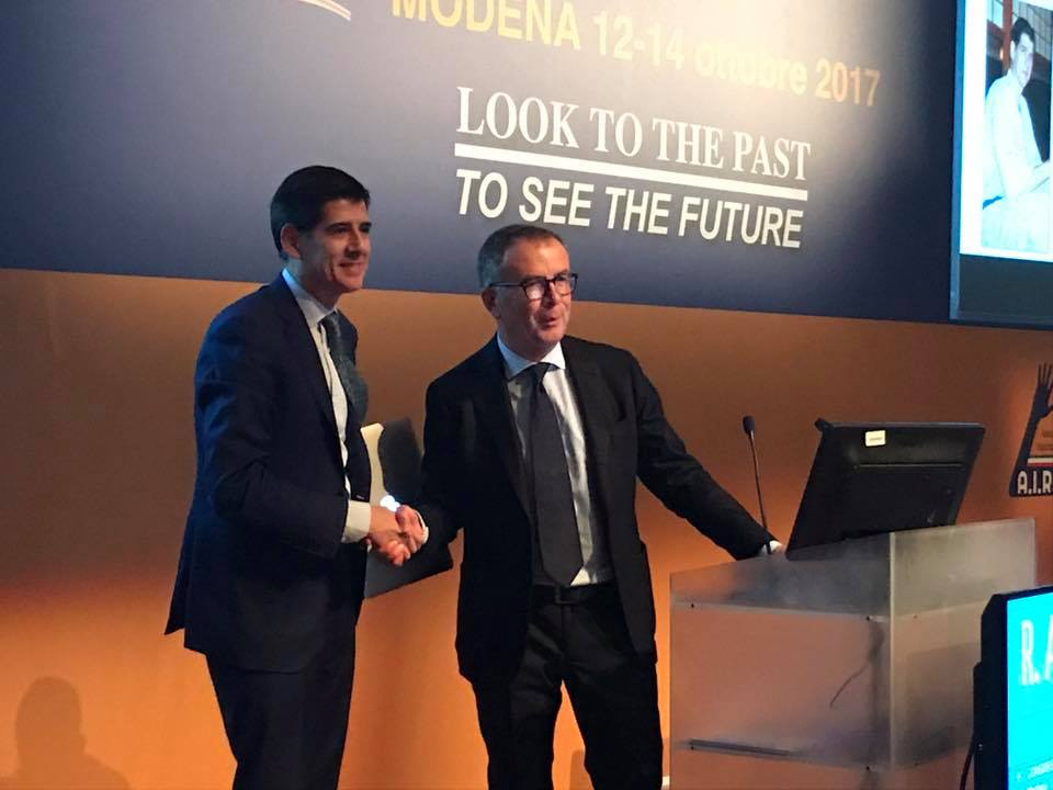 Dr. Piñal receives the recognition for his professional career at the 55th Congress of the SICM